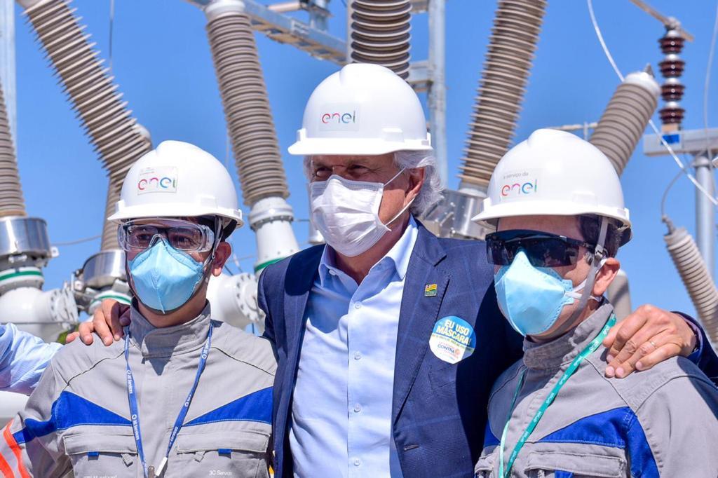 Governador Ronaldo Caiado e colaboradores da ENEL