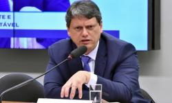 Assinatura do contrato de concessão da BR-153/080/414/GO/TO, com presença do Ministro da Infraestrutura Tarcísio Freitas