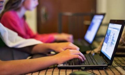 'Nativos digitais' não sabem buscar conhecimento na internet, diz OCDE