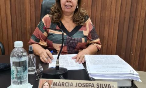 Vereadora Márcia apresenta requerimento solicitando a disponibilização de um número de telefone de contato 24 horas do responsável da Capela Municipal, afixado na porta do local para atender a população