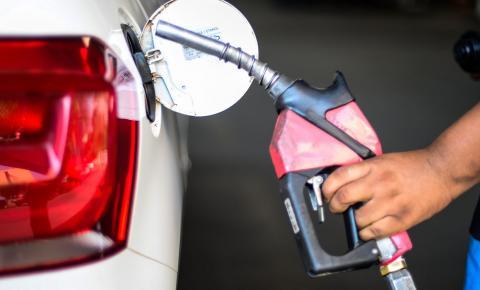Presidente da Câmara, Arthur Lira discute preço dos combustíveis com Câmara e Economia