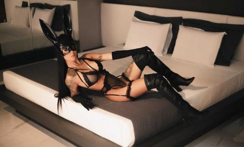 Modelo Thayane Souza arrasa com ensaios sensuais e provocantes