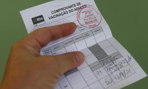 Liberado certificado de vacinação para quem tomou vacinas diferentes