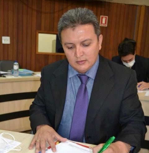 Raimundo Neto solicita construção de espaço para realização da feira semanal do setor Pontakayana